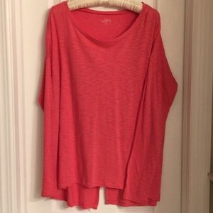 Long sleeved loose fit tee